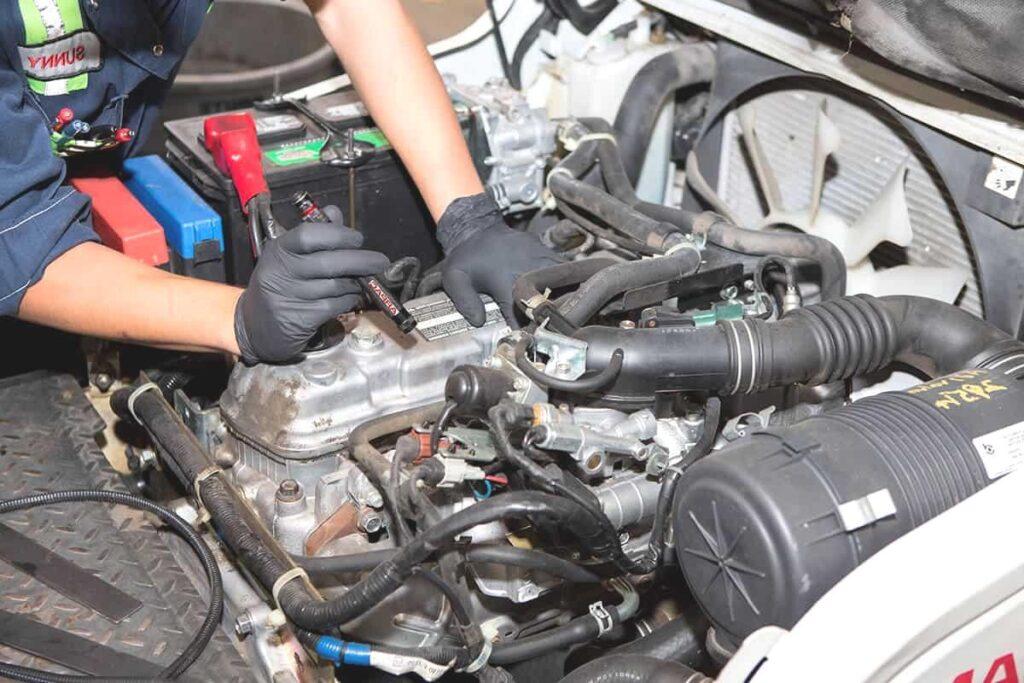 Wykonując naprawy i przeglądy urządzeń objętych dozorem UDT, należy stosować się do zasad BHP